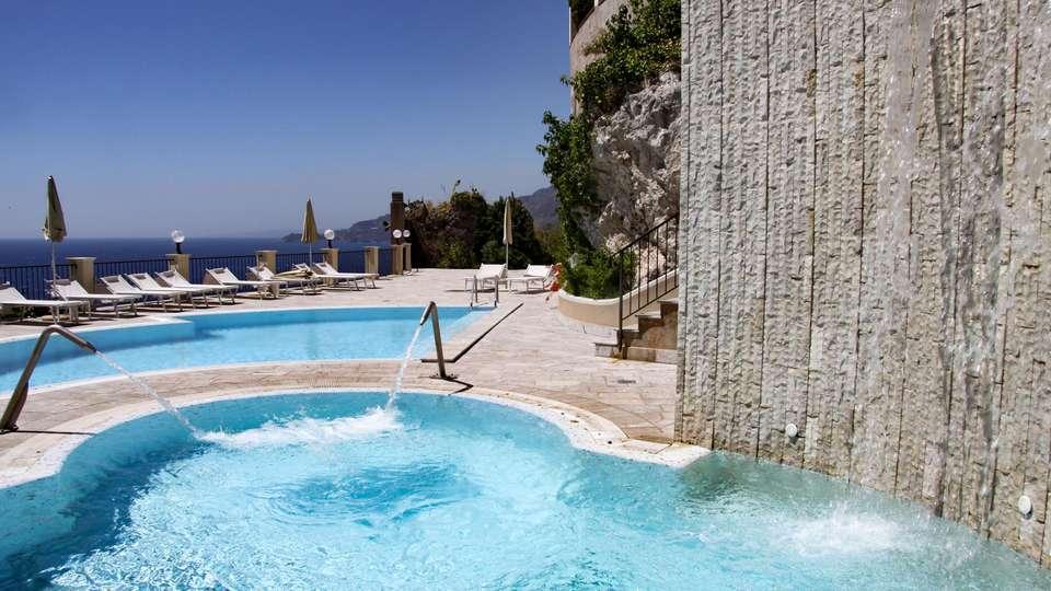 Capo dei Greci Taormina Coast - Resort Hotel & SPA - EDIT_POOL_06.jpg