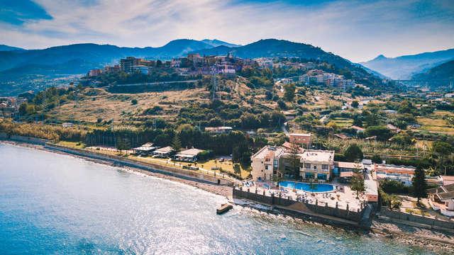 Oferta en Sicilia: dos noches en la costa entre Cefalù y Messina