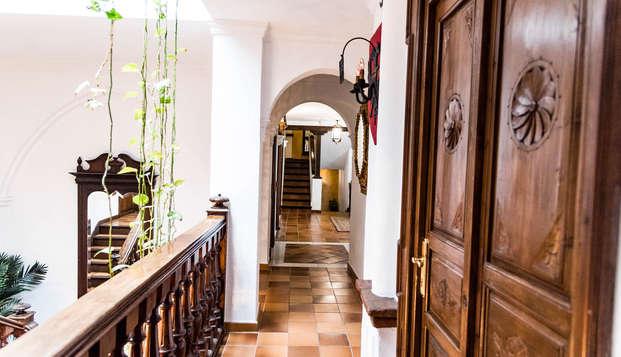 Escápate en familia a Ronda y descansa en un edificio del siglo XVIII (desde 3 noches)