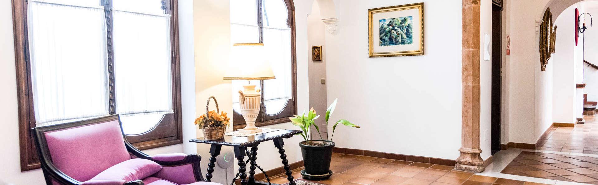 Descubre el encanto de Ronda y alójate en el barrio más histórico de la ciudad con desayuno incluido
