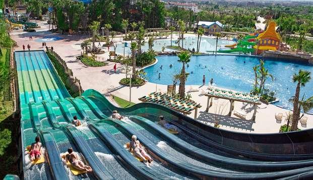 Verano Refrescante en Salou con entradas a PortAventura Caribe Aquatic ParK
