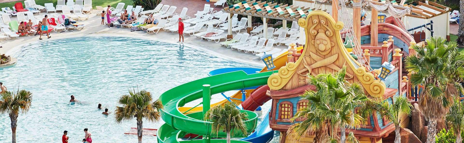 Raffraichissez-vous avec notre escapade avec entrées au parc aquatique PortAventura Caribe Park