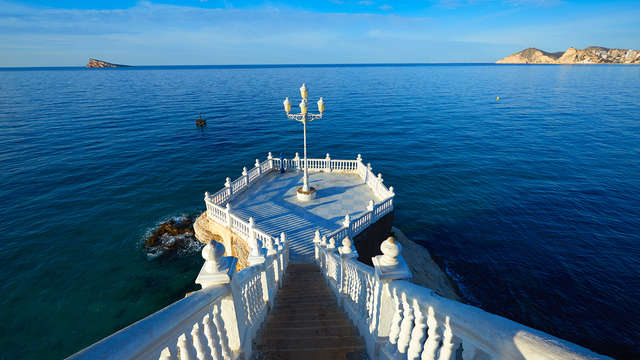 Descanso total en la Nueva York del Mediterráneo, alójate en todo incuido en Benidorm