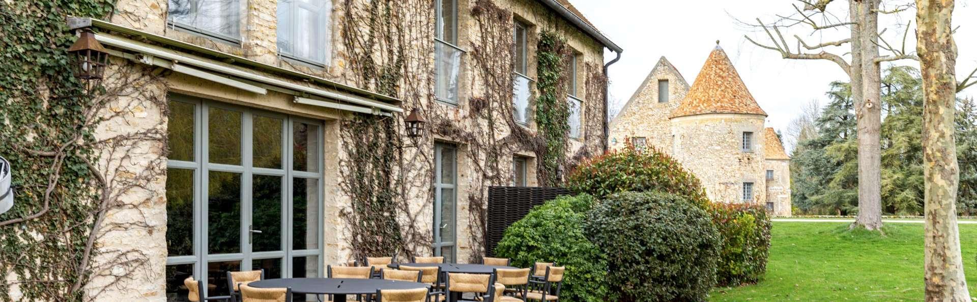 Les Maisons de Campagne - Château de Villiers-Le-Mahieu - EDIT_EXTERIOR_05.jpg