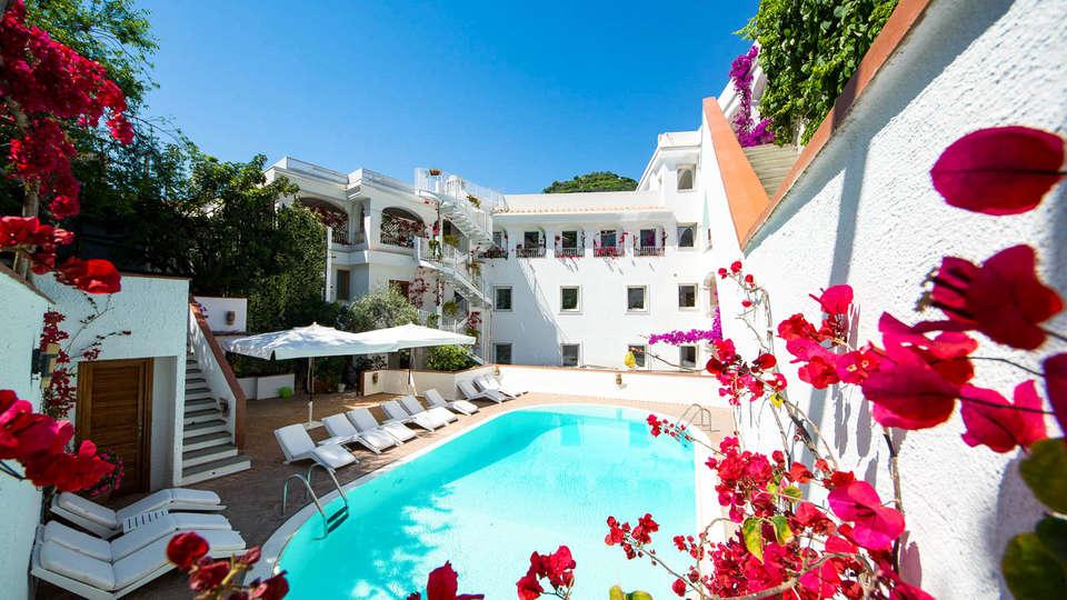 Hotel Villa Romana - EDIT_NEW_POOL3.jpg