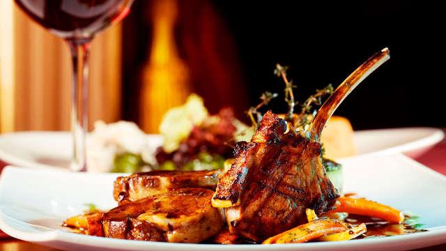 Escapada con Cena en una Suite junto a la Catedral de Burgos