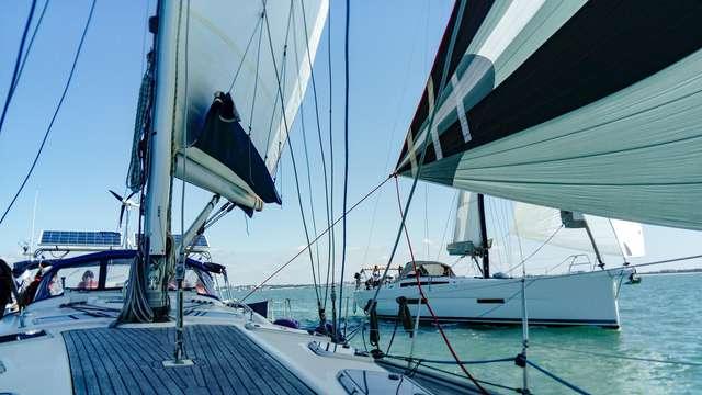 Crucero a bordo de un velero