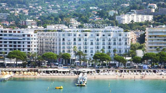 Paréntesis a orillas del mar en Cannes