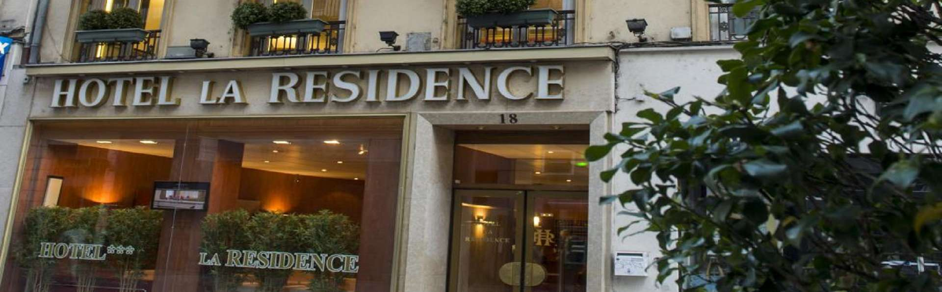 Hôtel la Résidence - Lyon Bellecour - EDIT_Facade.jpg