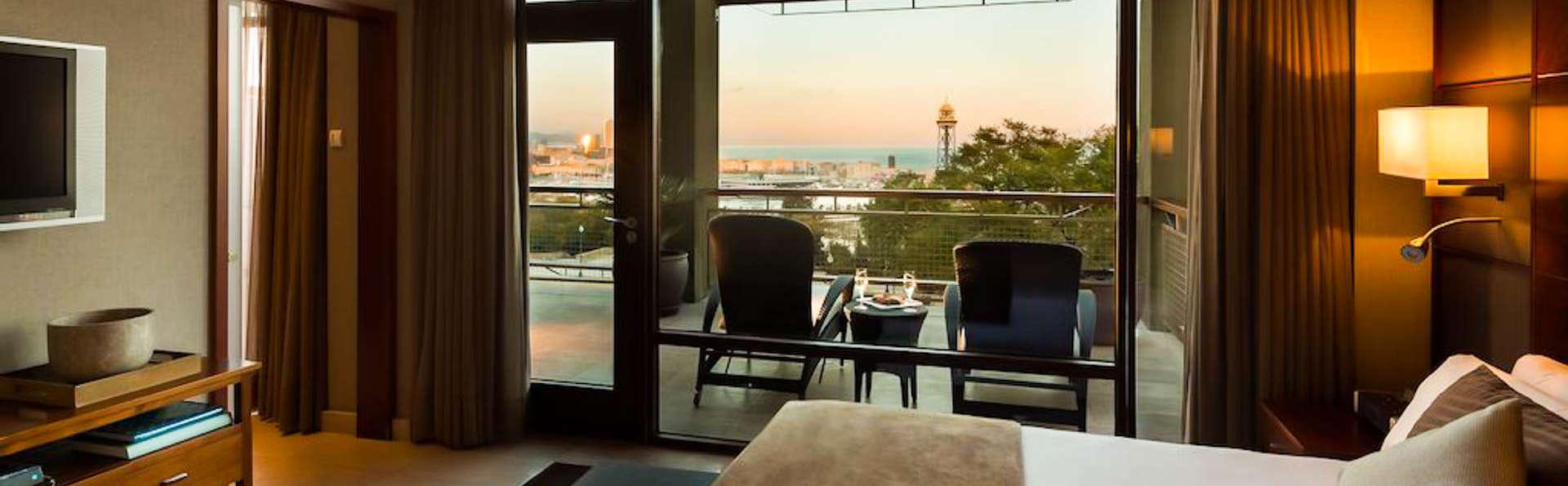 Escapada a un hotel 5* en Barcelona con vistas al Mediterráneo