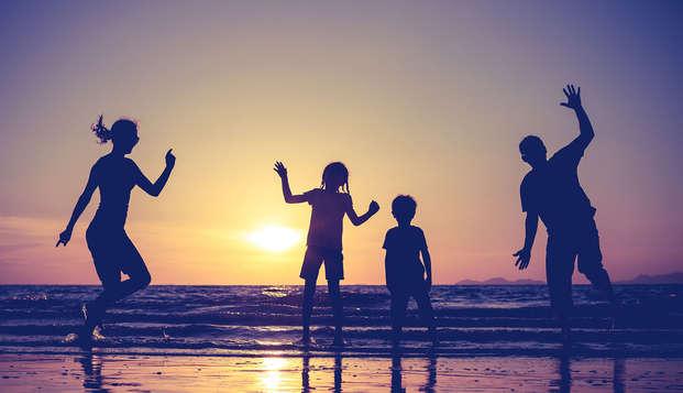 Date un respiro en familia con dos niños incluidos y media pensión en la Costa Brava