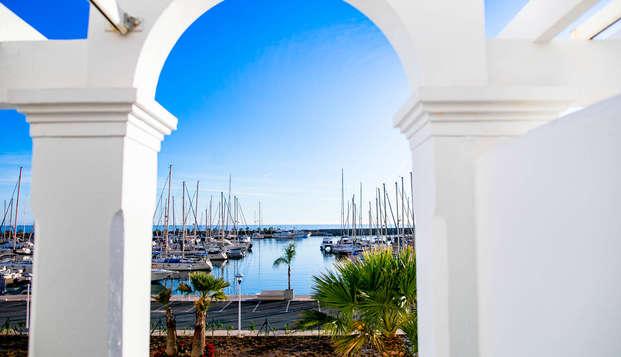 Minivacaciones con desayuno en Hotel 4* ubicado en el Puerto de Aguadulce, Almería (desde 2 días)