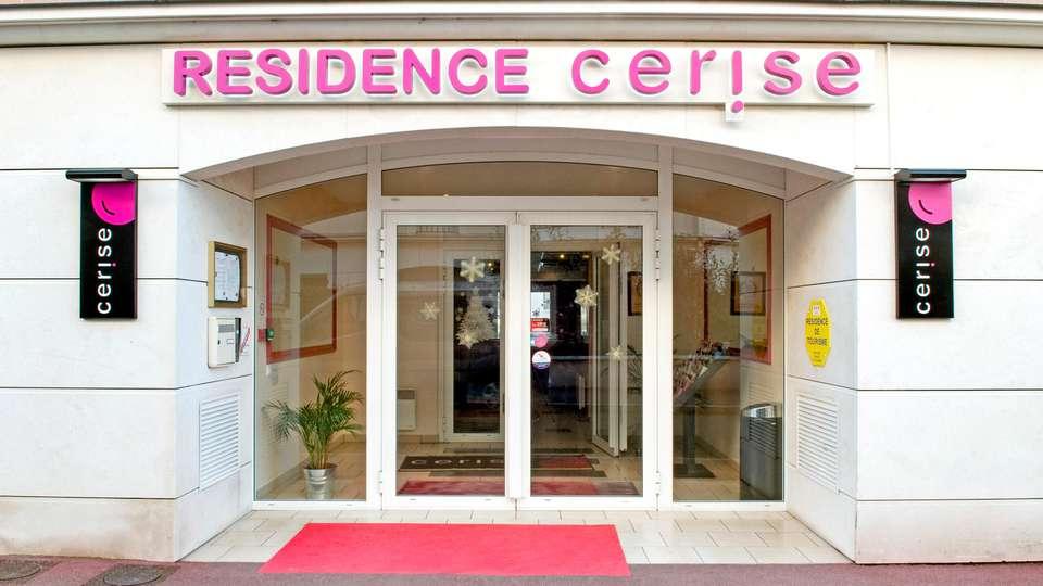 Cerise Chatou - EDIT_FRONT_04.jpg