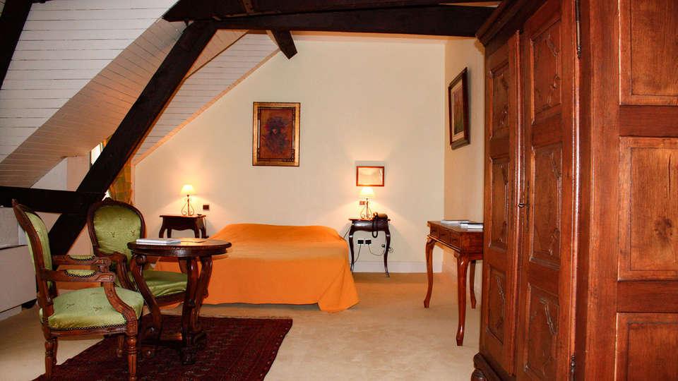 Château Camiac - EDIT_ROOM_01.jpg
