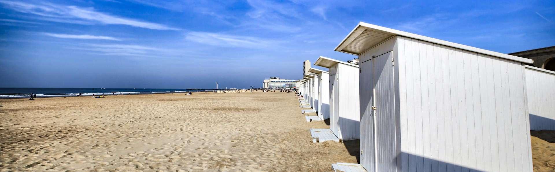 Nuitée sur la plage d'Ostende dans un hôtel avec terrasse sur le toit