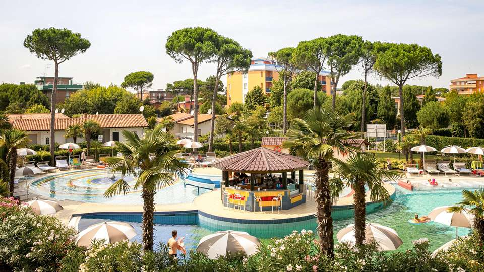 Mediterranee Family & Spa Hotel - EDIT_POOL_09.jpg