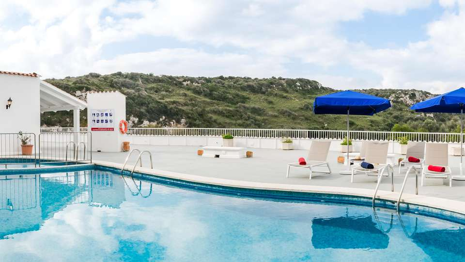 Hotel Paradis Blau - EDIT_POOL_03.jpg