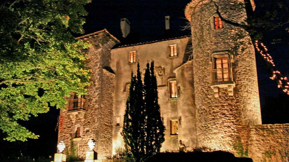 Château Du Cros - EDIT_FRONT_01.jpg