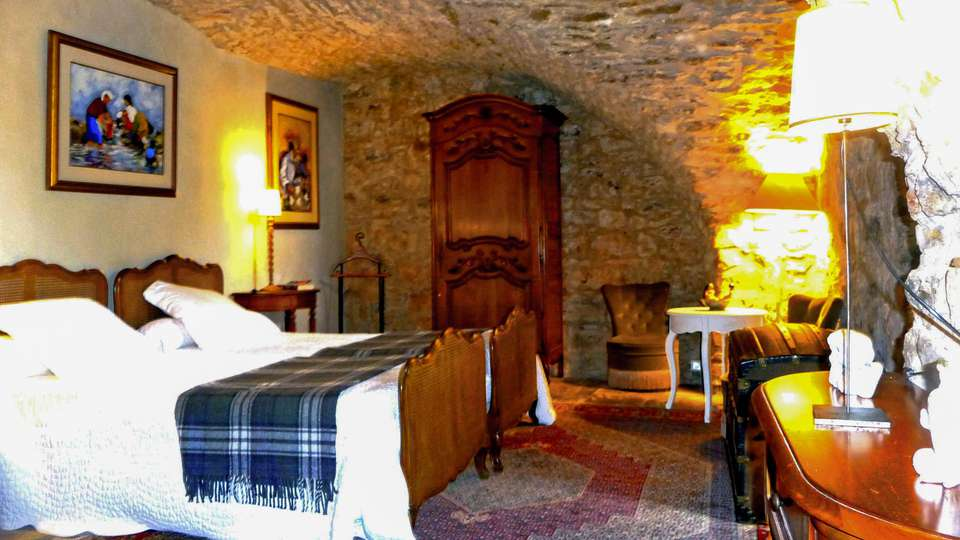 Château Du Cros - EDIT_ROOM_02.jpg