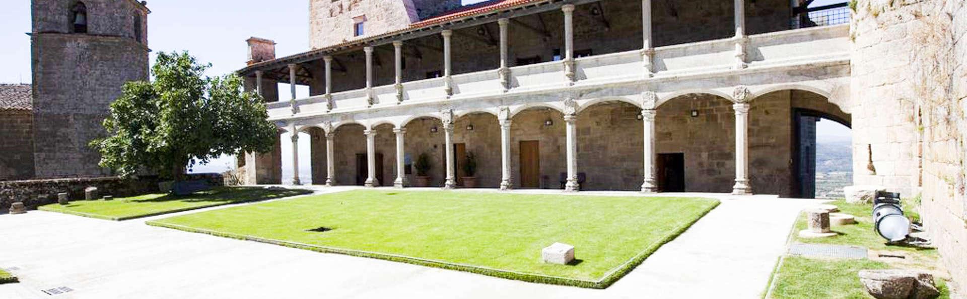 Parador Castillo de Monterrei - EDIT_FRONT.jpg