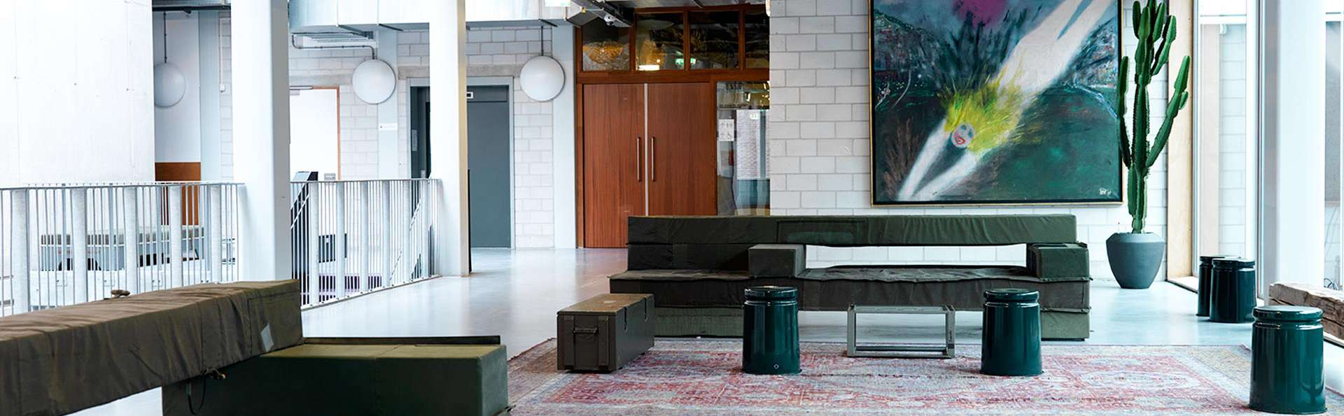 Q-Factory Hotel  - EDIT_LOUNGE_01.jpg