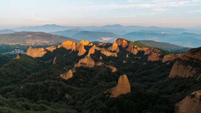Descubre el lado más rural de León en hotel con encanto y visita a las médulas incluido