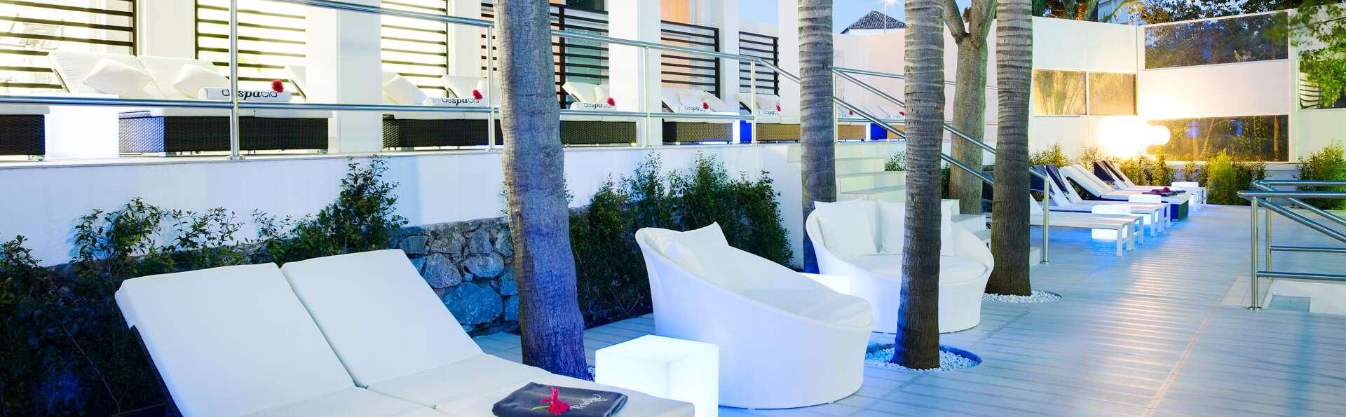 Escapade dans un hôtel 4*, chambre avec vue sur la piscine en demi-pension