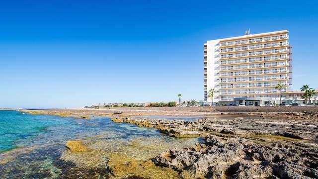Escápate en Pensión Completa y vistas al mar en Colonia Sant Jordi, Mallorca (desde 3 noches)