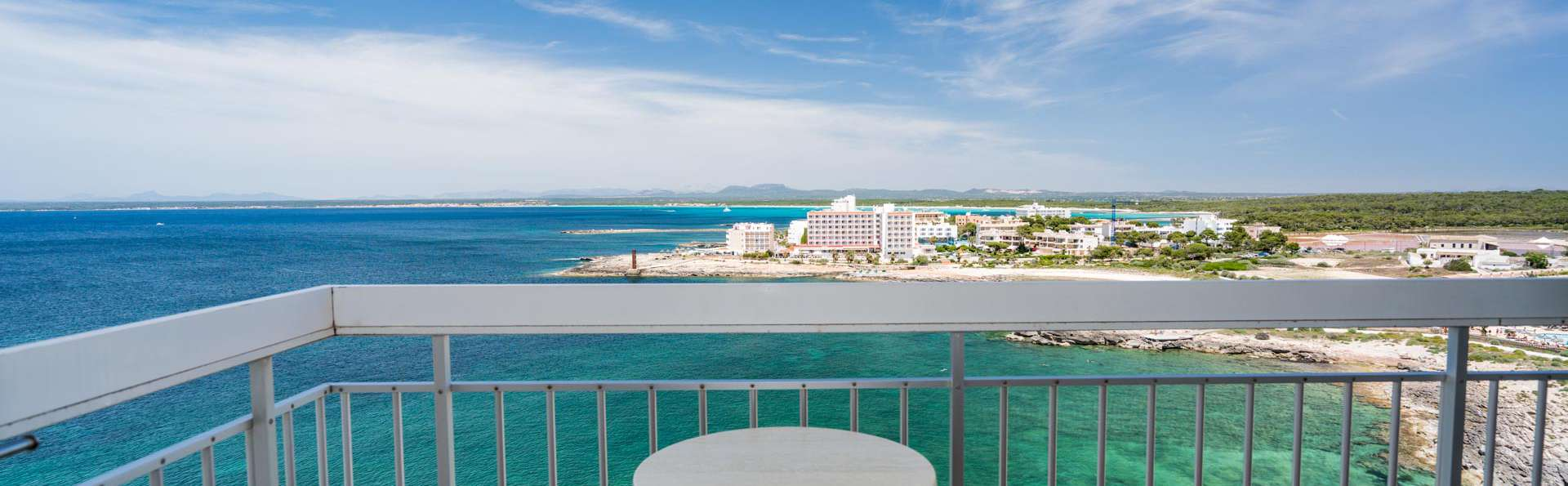 Escapada frente al mar en Mallorca con desayuno y vistas al mediterráneo (desde 3 noches)
