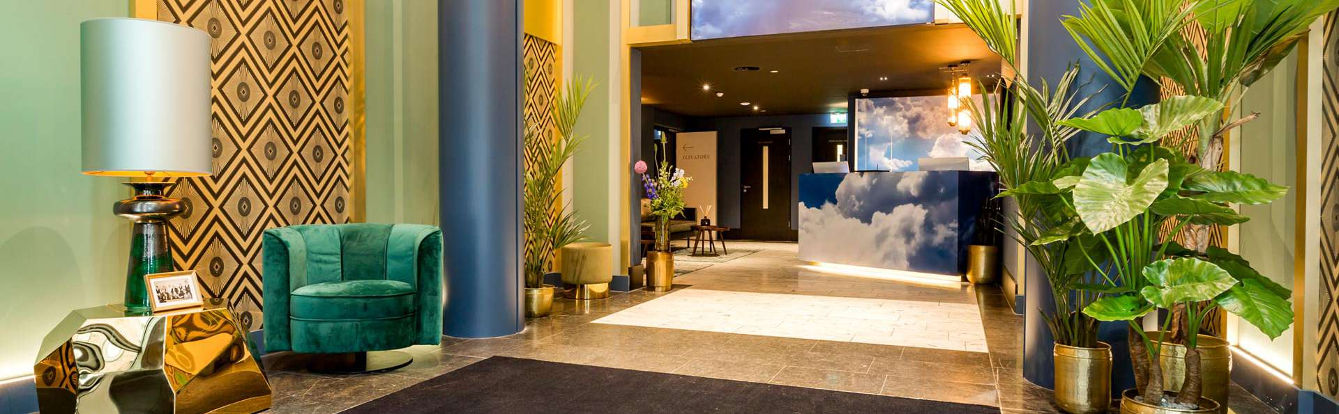 The James Hotel Rotterdam  - EDIT_LOBBY_01.jpg