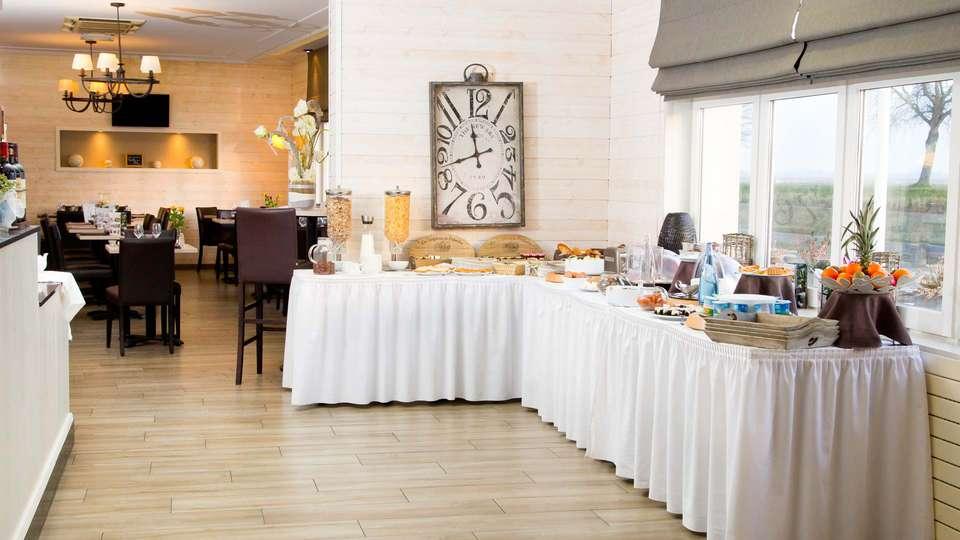 Hôtel du Port et Restaurant des Bains - EDIT_NEW_BUFFET.jpg