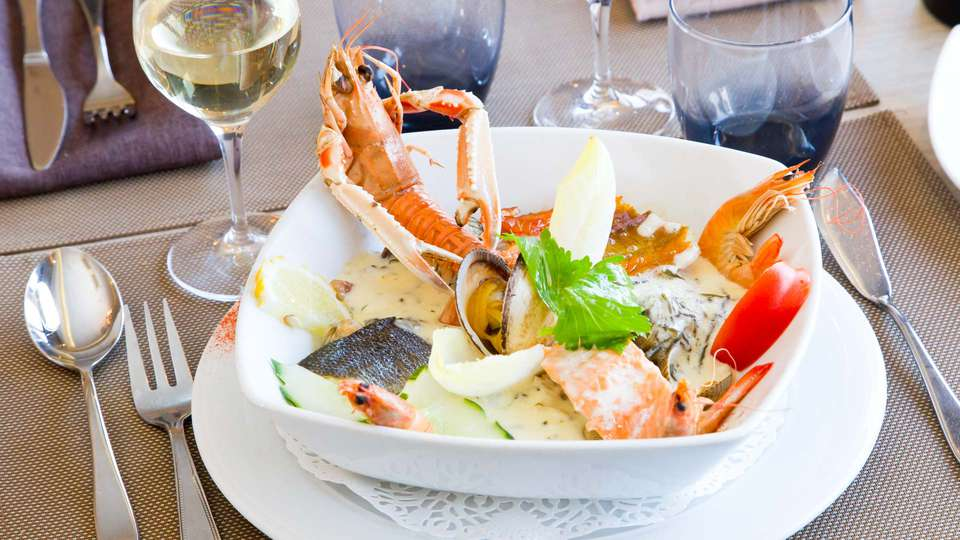 Hôtel du Port et Restaurant des Bains - EDIT_NEW_DINER2.jpg