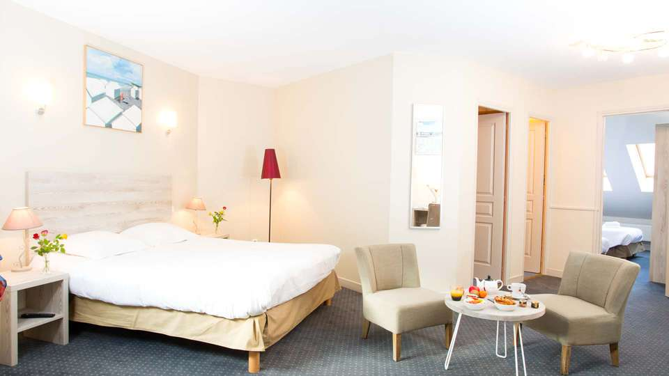 Hôtel du Port et Restaurant des Bains - EDIT_NEW_ROOM3.jpg