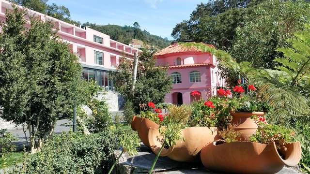 Escapada Romántica con acceso a la zona relax y detalle de bienvenida en un hotel de lujo en Madeira