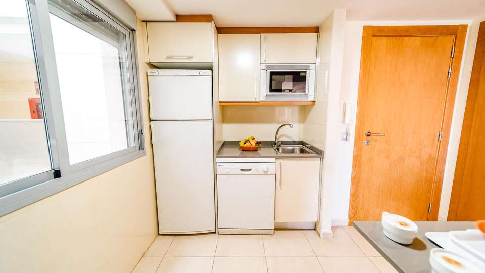 Apartamentos Marina Rey - EDIT_KITCHEN_02.jpg