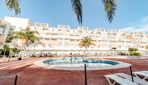 Escapada en familia al lado de la playa: Descubre la costa de Almería en media pensión