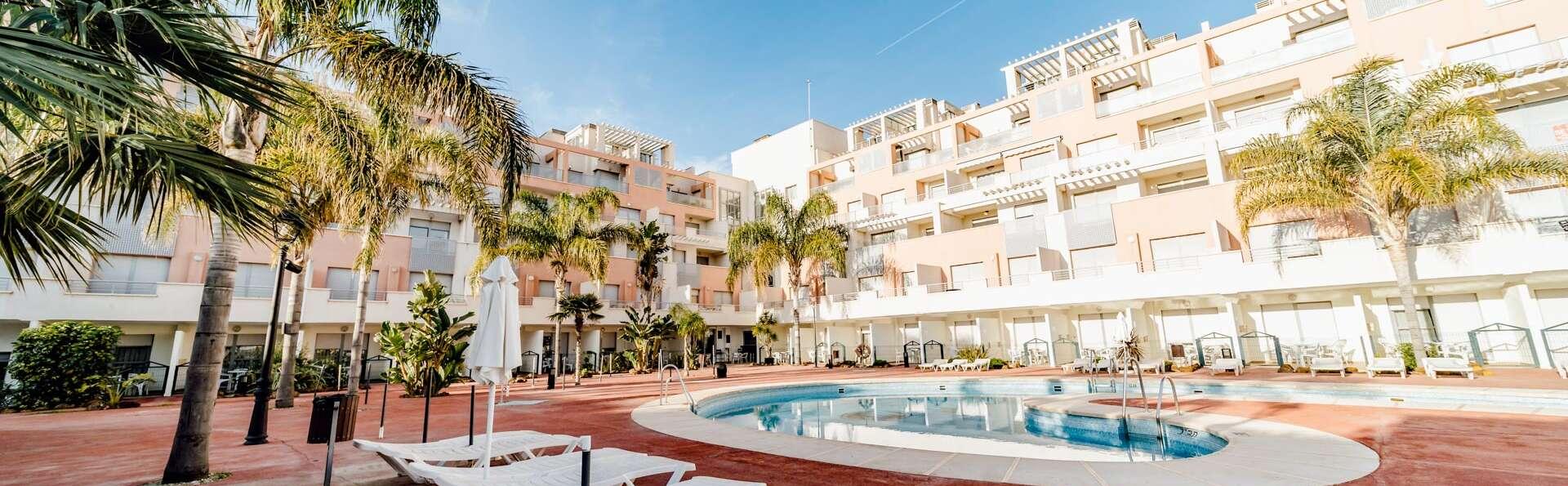 Escapade en famille à la plage : Découvrez la côte d'Almeria en demi-pension