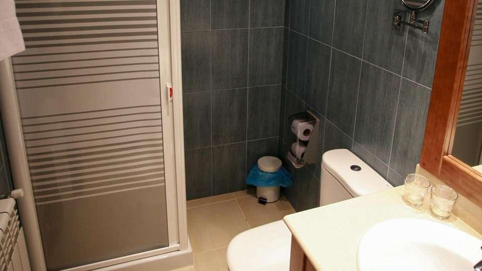 Hotel Obaga Blanca - EDIT_BATHROOM_01.jpg