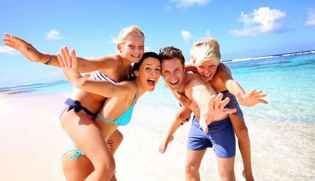 Costa Brava en famille, demi-pension, séjour du 1er enfant est gratuit et le 2e est à 70%