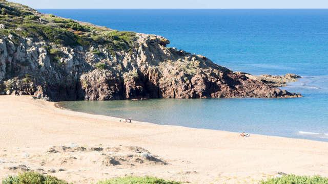Ambiance magique à Tresnuraghesau au bord de la mer sarde