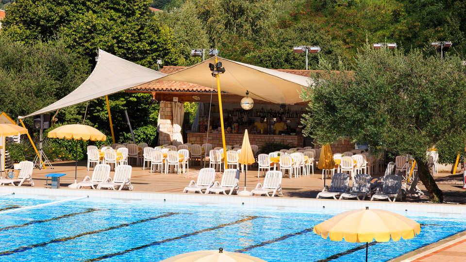 Poiano Resort Appartamenti - EDIT_POOL3.jpg