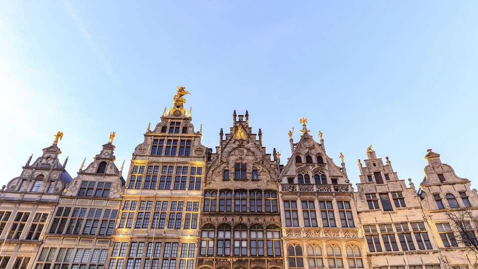 Hilton Antwerp Old Town - EDIT_DESTINATION_01.jpg
