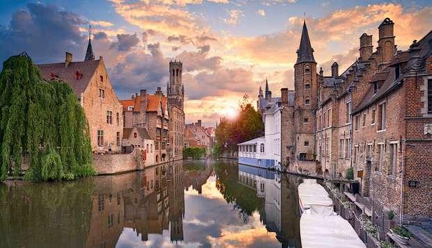 Recorre las calles históricas de Brujas