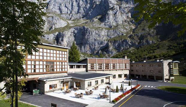 Descubre los Picos de Europa en un Mágico y emblemático Parador