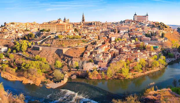 Escapada para dos con desayuno incluido en el corazón de Toledo, frente al Alcázar