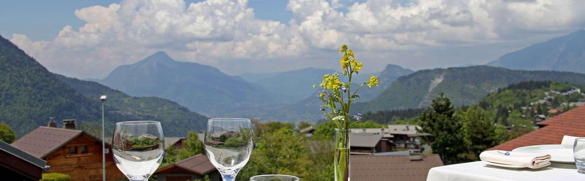 Dîner, accès spa offert et vue sur les montagnes, au cœur du Grand Massif