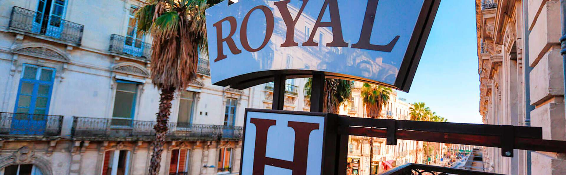 Royal Hôtel - EDIT_TERRACE_01.jpg