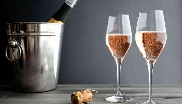 Escapada romántica con botella de cava cerca de Madrid