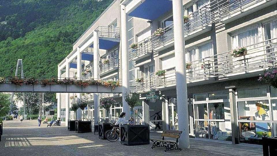 Appart'hôtel - Rive Droite - EDIT_Facade.jpg