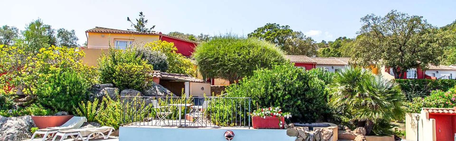 Le Roc e Fiori Hotel - EDIT_WEB_POOL_02.jpg